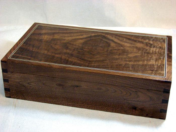 Walnut Heirloom Box - FineWoodworking