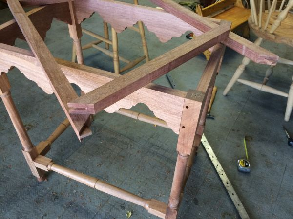 william and mary tea table with bridle joint miter joint