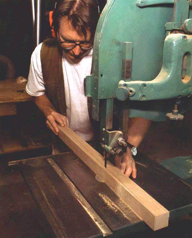 how to cut tapered legs on the bandsaw