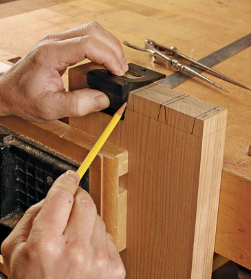 Laying out dovetails, how to cut dovetail joints