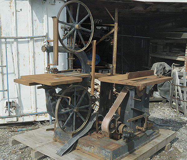 1923 Crescent Universal Wood-Worker (Model No. 108) before refurbishing; vintage machinery; old machine rehab resources; before and after photos