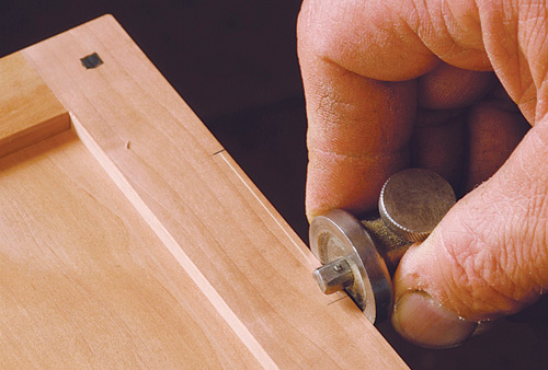 lay out depth of butt hinge mortise with marking gauge